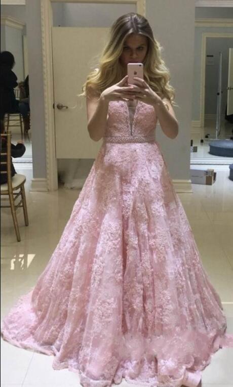Última V-cuello largo de color rosa vestidos de noche de encaje 2020 apliques de perlas largo palabra de longitud de encaje vestidos de noche formales vestidos de baile