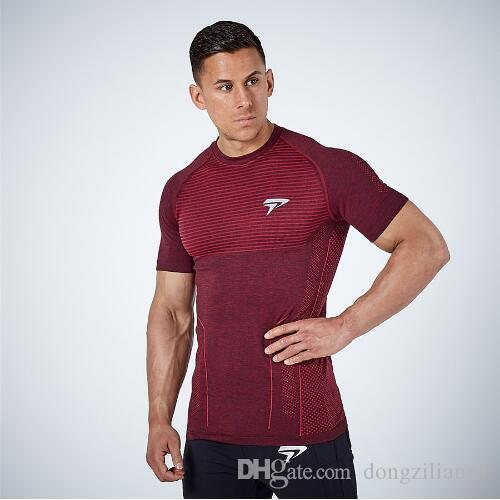 Gimnasio Rashgard verano de secado rápido camiseta camisa de los hombres del deporte de manga corta camisas de compresión Correr gimnasia de culturismo tes de las tapas