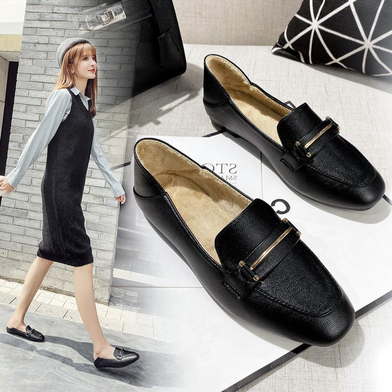 Microfiber leather plush moccasins metal decorate brief cozy loafers ladies soft bottom winter shoes woman 2-wear big size flats