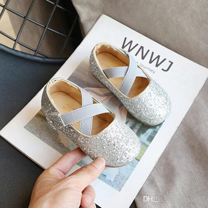 Vendita al dettaglio primavera e l'autunno delle neonate scarpe classiche Paillettes scarpe da ballo 3 colori morbido comodo Soled principessa Shoes Primi camminatori
