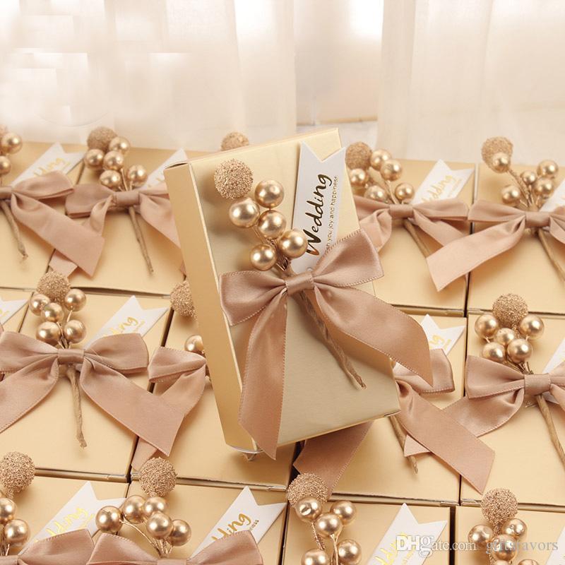 Benutzerdefinierte Namen Goldquadrat Hochzeitsbevorzugungskasten Schokolade Halter Partei Konfektschachteln Brautdusche Baby-Geburtstagsfest Paket Großhandel