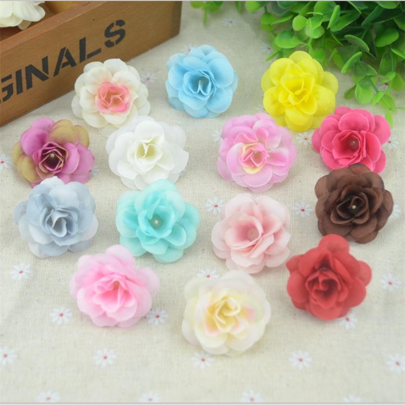 100 piezas 4,5 cm hecho a mano Mini Artificial seda Rosa flores cabezas Scrapbooking flor beso bola para boda decorativa