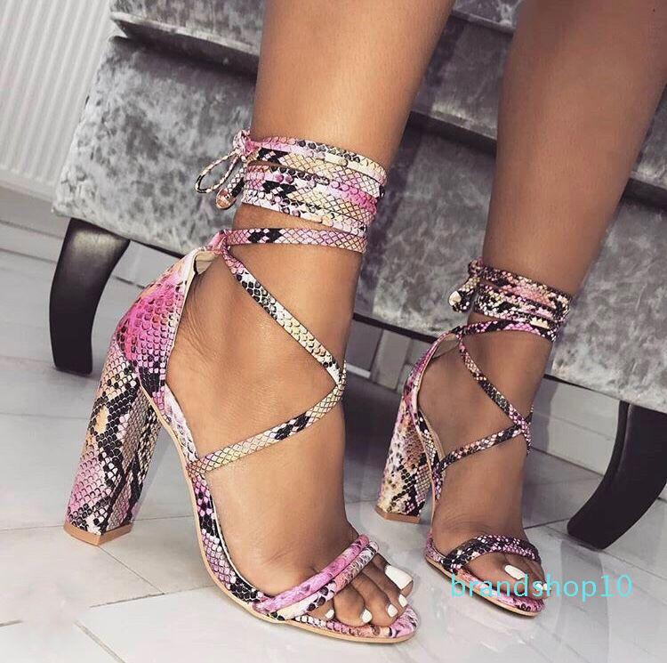 Cute2019 gros Ma'am année avec haut-talons Sandales Femme Croisement Bandage 40 coderez Femmes Chaussures