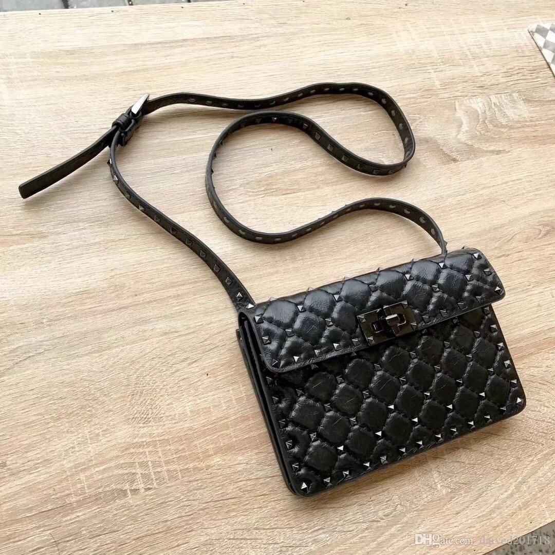 Nouveau sac de mode européenne dames style de luxe classique, sac à bandoulière style garniture Rivet, diamant pur en peau de mouton en cuir treillis, couleur noire