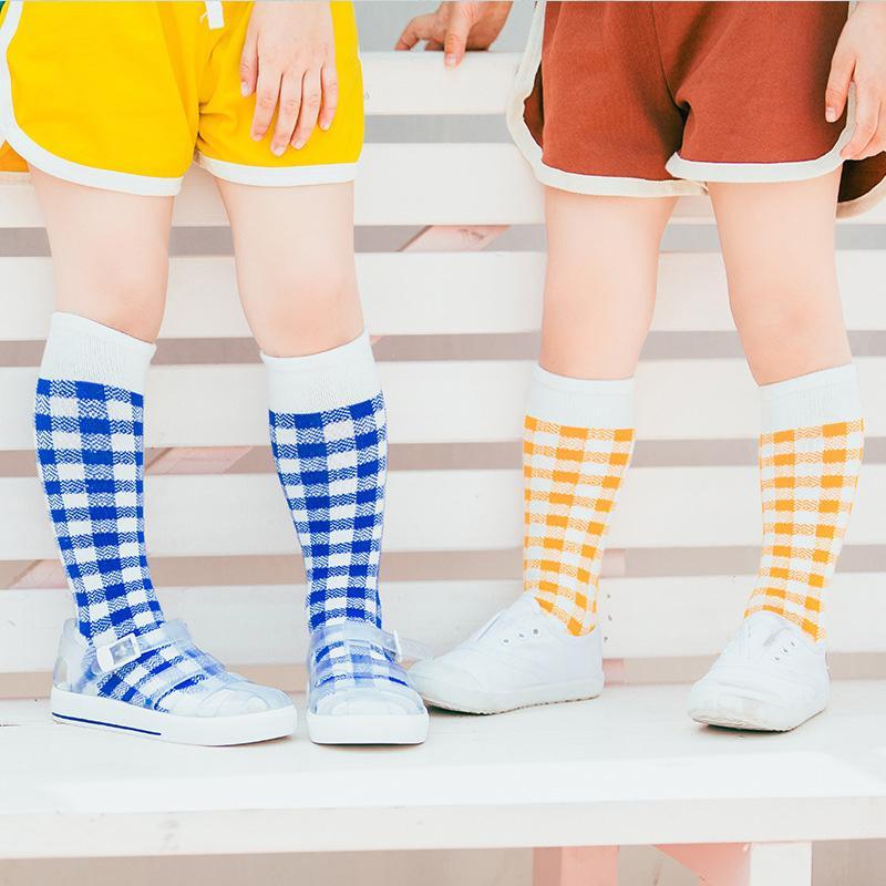 Высокое качество Бэби Детский носки мальчик девушка моды плед Колено Длинные носки Детский спортивный колледж Стиль Хлопок носки Дети подарков Бесплатная доставка