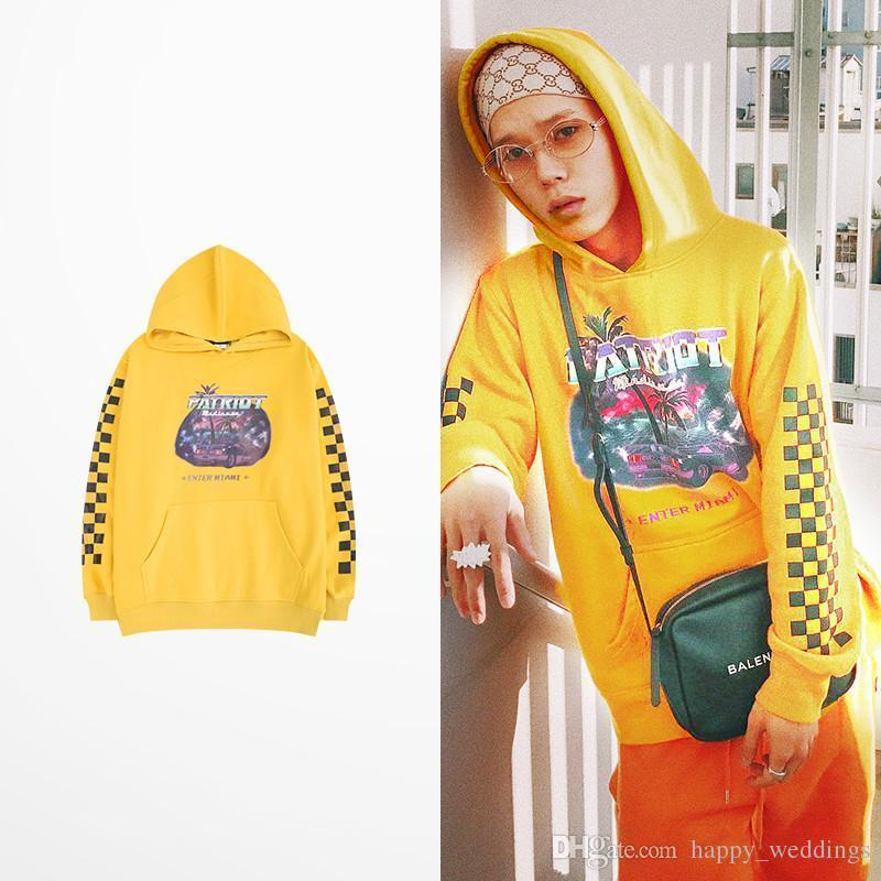 2020 Tide Brand Hip Hop Yellow Hoodies For Men And Women Loose Lazy Wind Fleece Cotton Warm Justin Bieber Hoodie Sweatshirt Bts Kanye From Brittany79,