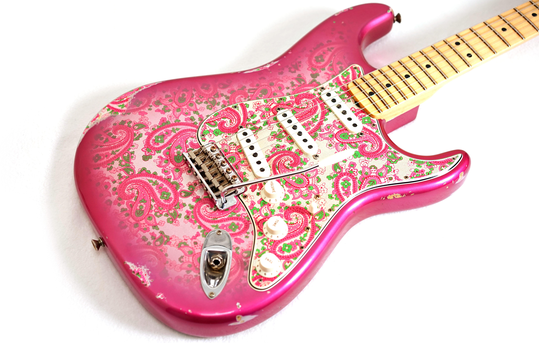 Custom Shop Masterbuilt 68 Relic Pink Paisley ST электрической гитары ольха тела, 1 шт Maple Neck, 21 ладов Клен Накладка, Vintage Тюнеры