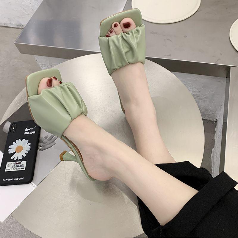Pelle Estate Pu Piazza Slipper Donne Pieghe Toe tacco alto pantofole Thin Heel Sandals Moda all'aperto Open Toe diapositive 2020