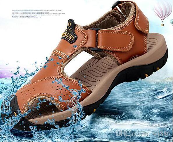 erkek öğrencilerin spor eğlence plaj ayakkabıları dokuz renkler için Sandalet erkek deri inek derisi yeni stil Baotou sandalet yaz nefes ayakkabı