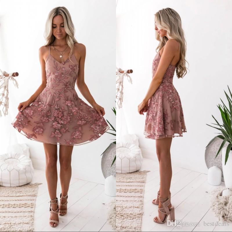 Blush Lace Floral Short Prom Homecoming Kleider Layer Röcke Modern Ärmelloses Juwel Hals Mini Abendparty Cocktailkleid