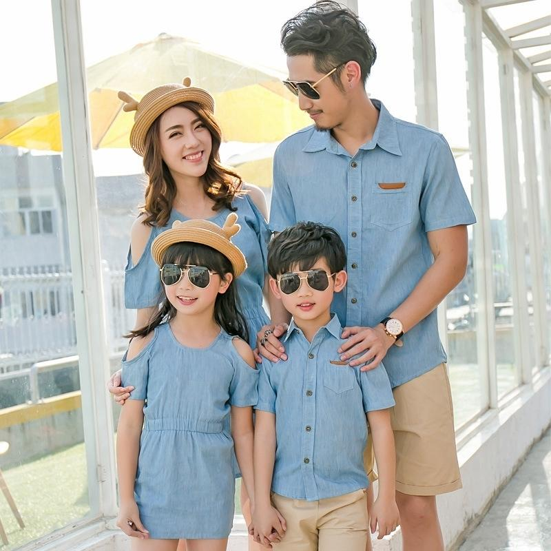 Summer Family Clothing Set Mom And Daughter Strapless Shoulder Dress Dad Son Short T-shirt Fashion Family Clothing Korean Style Y19051103