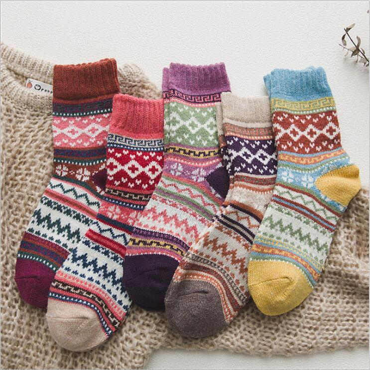 Hiver Chaussettes thermique Vintage Bas laine colorés Chaussettes en tricot mi-bas de Noël Bonneterie Fashion Cotton Casual Chaussettes Anklet C6996