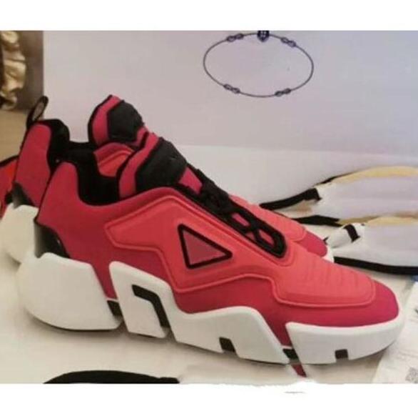 Sıcak yeni erkek Cloudbust Thunder örme tasarımcı boy kadın ayakkabı hafif kauçuk taban 3D rahat ayakkabı kadın erkek büyük boy