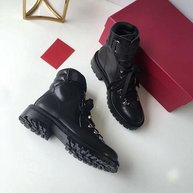 New Martin Boots European and American ladies leather locomotive boots personality designer ladies low heel round boots heel 3.5 cm or