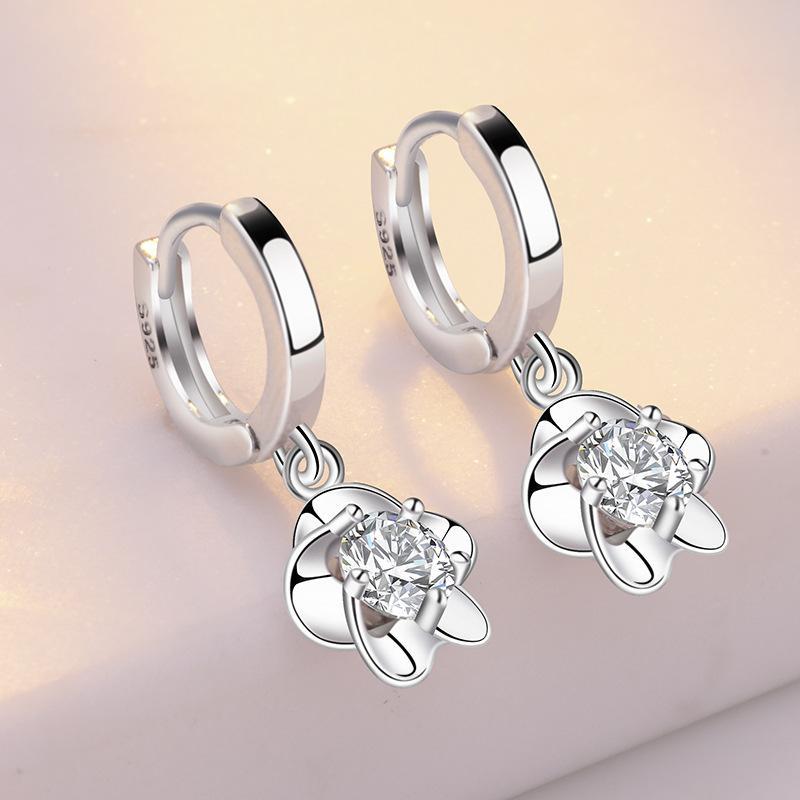 925 orecchini prugna fibbia rotazione Corea gioielli del perno di modo dell'orecchio trifoglio selvatico orecchini di cristallo belli i colori bianco e viola hotsell
