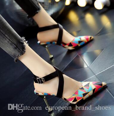 Nouvelle mode estivale pour femmes assortie à des sandales à talon plat à boucles croisées et à boucles croisées Roman Baotou