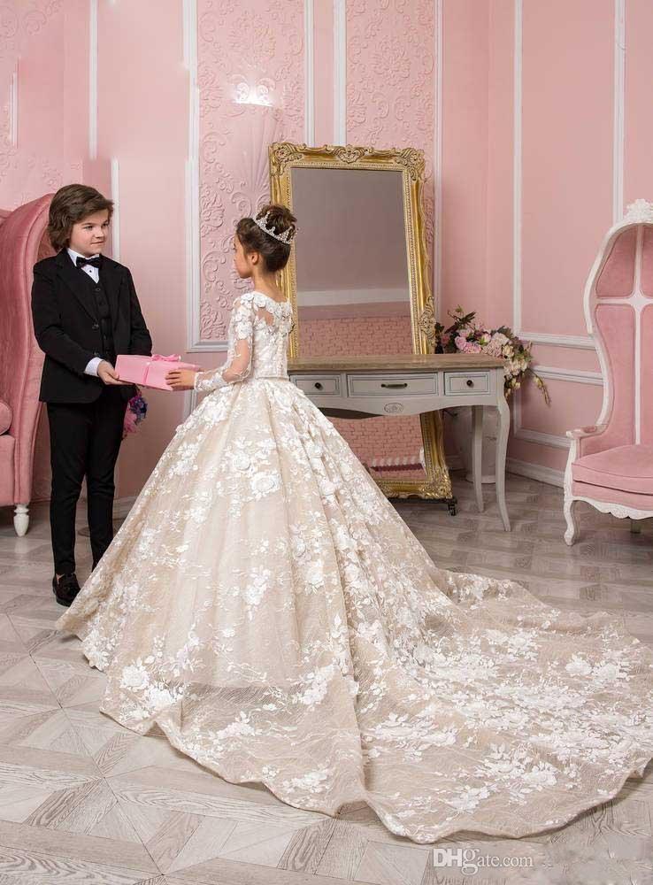 2020 Puffy Corte apliques nueva princesa vestidos de niña de las flores para las bodas cuello de la joya del cordón del tren pequeño bebé niños vestidos vestidos de primera comunión
