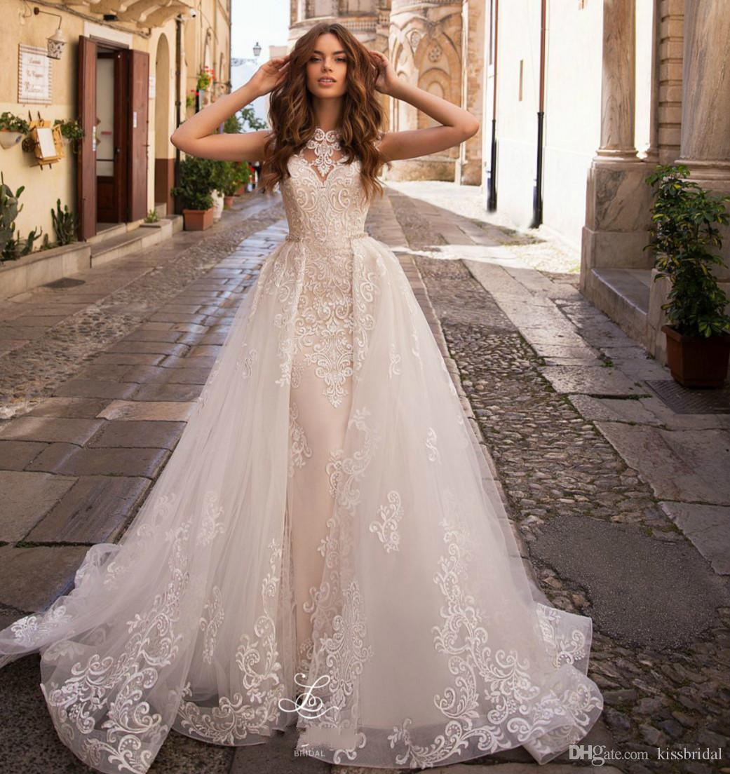 New Design A-Line Wedidng Dresses 2021 High Collar Sleeveless Chapel Train Appliques Tulle Wedding Gowns Robe de mariee Overkskirt