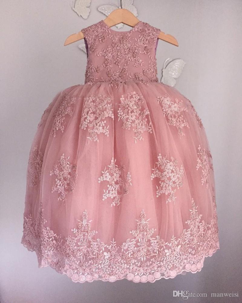Vintage Lace Appliqued цветок девочка платье для свадьбы Soft Pink Бисероплетения Little Baby бальных платьев Puffy Юбка причастие Pageant платья