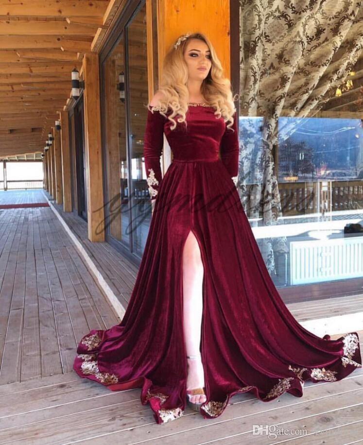 Burgundy Velvet Evening Dresses 2019 Bateau Neck Zipper Back Long Sleeve Front Split Lace Applique Prom Gowns vestidos de fiesta