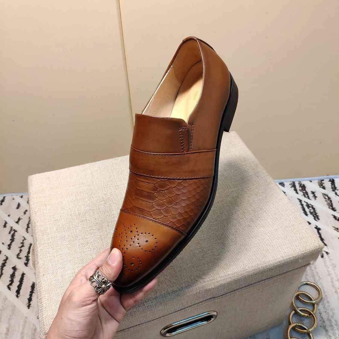 Chaussures en cuir de mariage formel respirante hommes FASHION Nouveau semelle plate de style chaussures
