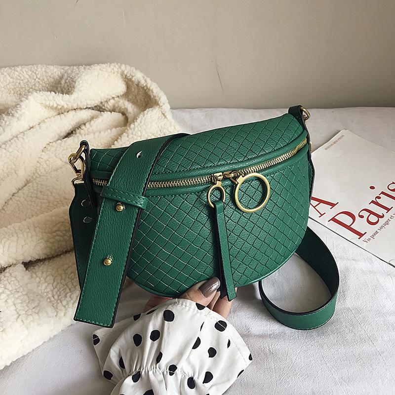 2019 Moda Saddle Bag Mulheres personalizado bolsos no peito Bag Correia Larga Versátil ombro Crossbody