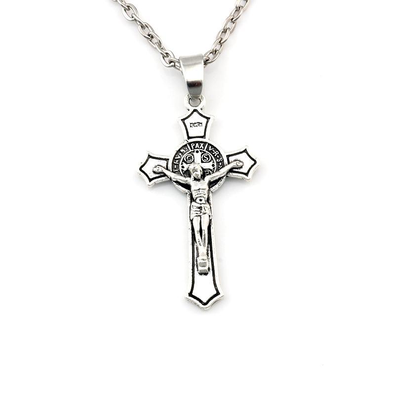 50pcs / lots Antike silberne Benedict Medaille Jesus Christus-Kreuz-Legierungs-Charme-hängende Halsketten-Schmucksachen DIY 23.6 Zoll Ketten A-581d