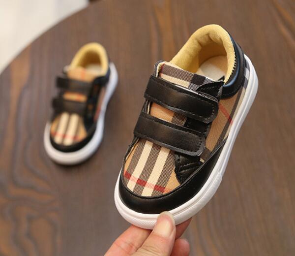 الرضع بوي الشريط حذاء طفل الطفل بنات اولى ووكر أزياء العلامة التجارية عدم الانزلاق أحذية في الهواء الطلق لمصمم للأطفال