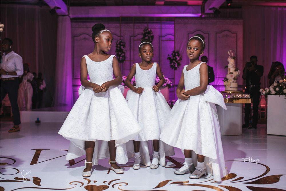 Afrika Sevimli Beyaz Dantel Çiçek Kız Elbise Yeni Hi-Lo Aç Geri Prenses Resmi Kız Elbise Uzun Pageant Balo Akşam Gelinlik