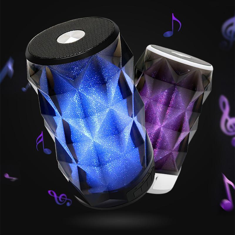 T-2323A drahtlose Bluetooth-bunte Licht-Lautsprecher-bewegliche Miniaudio bunte Karte im Freien Lautsprecher 2 Farben dhl frei