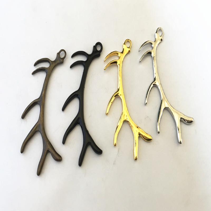 Mischfarbe Silber, Gold und Bronze, schwarze Farbe (Farbe 4) Hirschgeweih Charme Double Side Charm 18 * 60mm 20pieces / lot