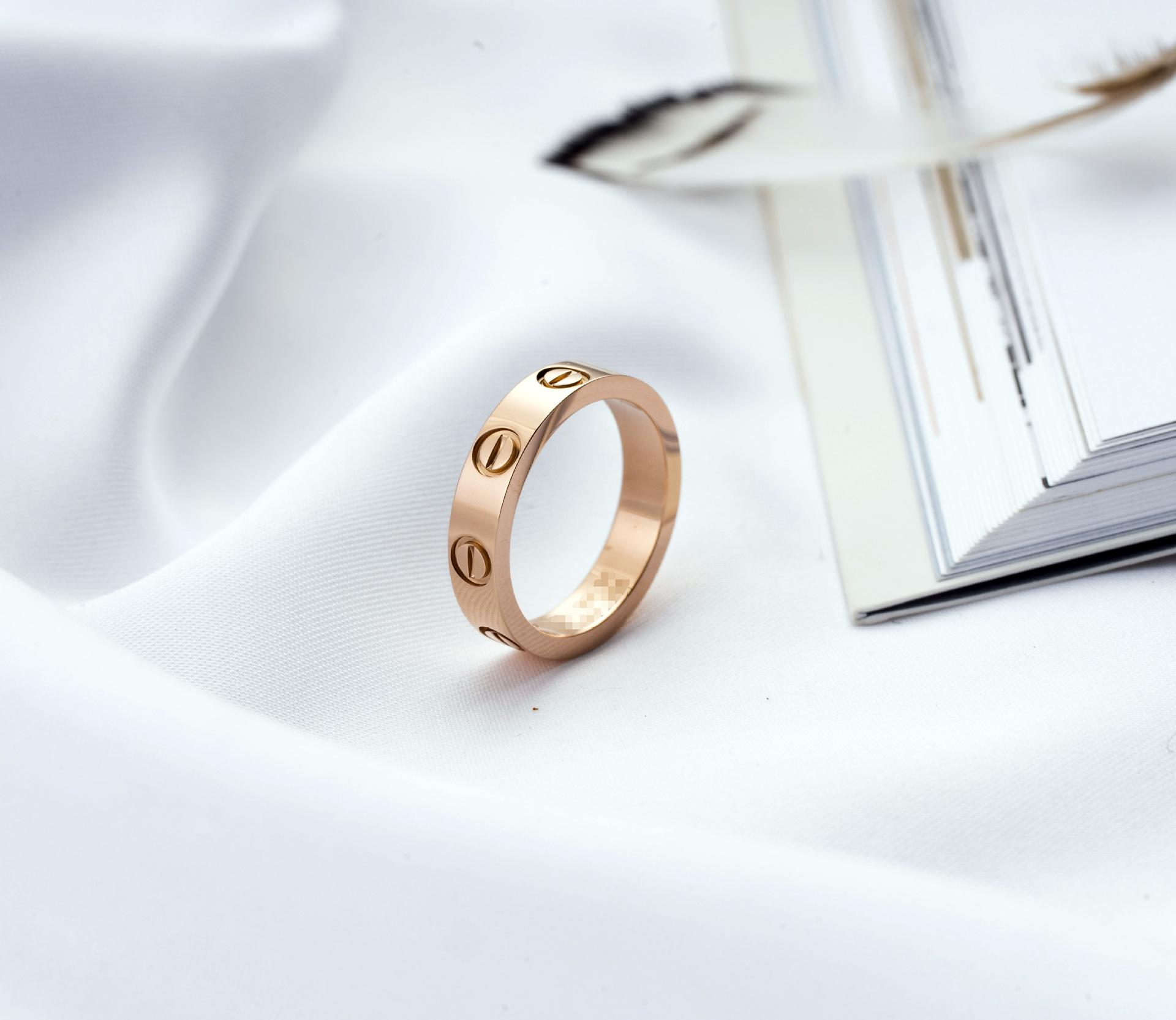Gli amanti di nozze progettista di marca d'acciaio di titanio per le donne di lusso Zirconia anelli di fidanzamento uomini gioielli regali in acciaio inox
