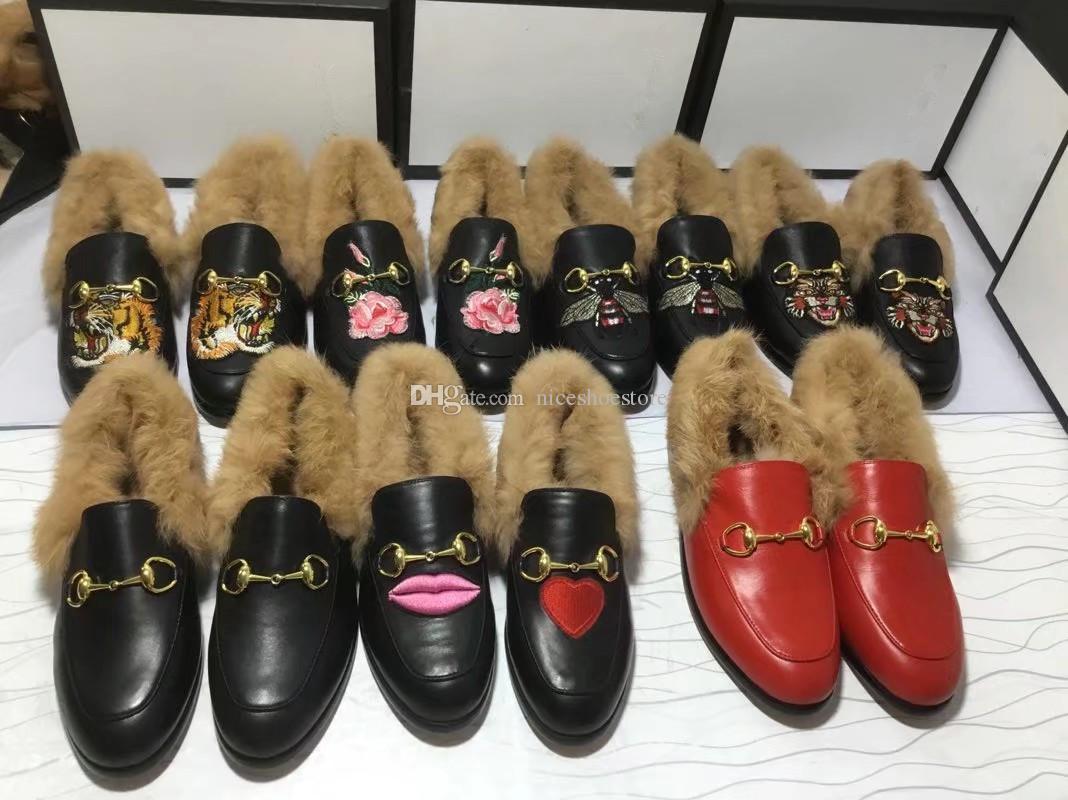 Mens Womens Designer Pelliccia Mocassini Flats scarpe di velluto in pelle con pelliccia di lusso della signora degli uomini della moda di New scarpa pelliccia Horsebit superiore qualità euro 34-45