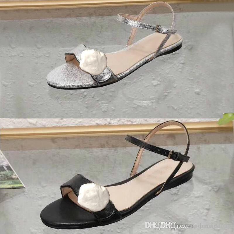 Sandálias da senhora Clássico Fivela de Metal fivela de couro fundo Plano mulher Praia sapatos de Designer de Luxo mulher Sandálias Preto tamanho Grande us11 10 35-42