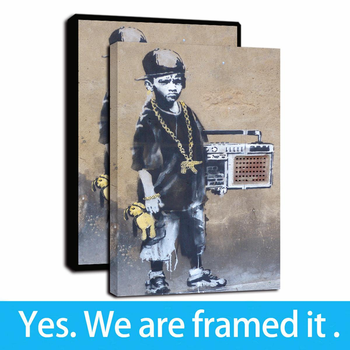 Banksy Art Tela stampa Un Ragazzo Immagine Street Art Poster della pittura di parete Home Decor - pronta per essere appesa - Framed