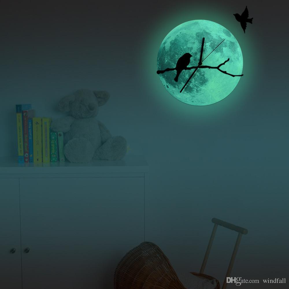ساعة الحائط الإبداعية مضيئة ساعة الحائط الفلورسنت القمر الأخضر مضيئة على فروع الطيور غرفة المعيشة