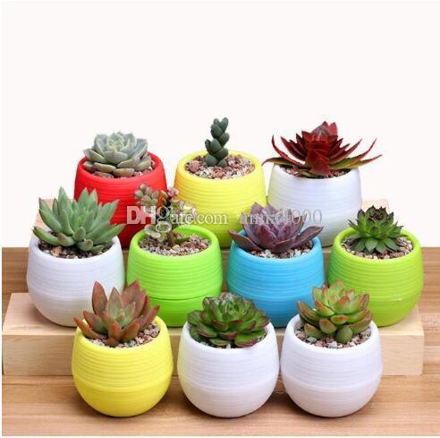 7 * 7cm Mini Vasi di fiori multi colori di plastica rotondo Fioriere Leak Water Hole design succulente Piante da giardino Pot vendita calda