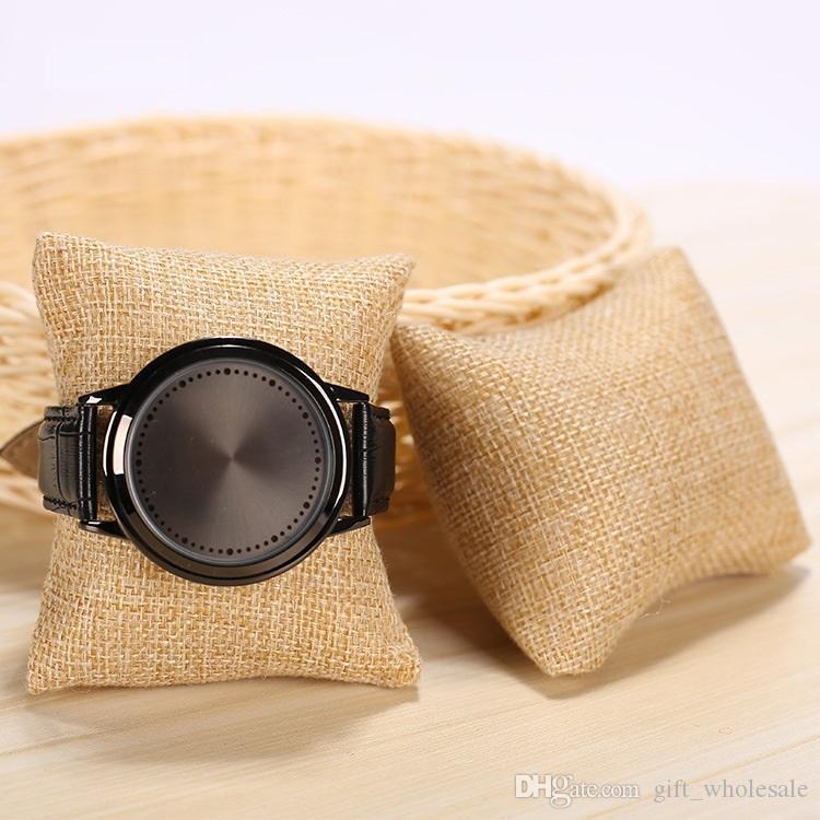 Fashion linen Velvet New Lovely Bracelet Sponge Bangle Watch Pillow Cushion For Jewelry Display Holder 8*8*3.5cm