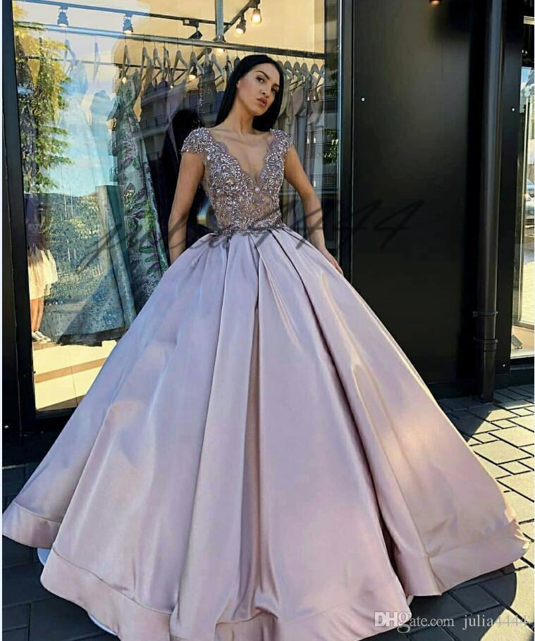 2019 Nuevo lujo Árabe Una línea Vestidos de novia Profundo V Línea Manga corta Apliques de cristal Tren de barrido Más tamaño Vestidos de novia formales