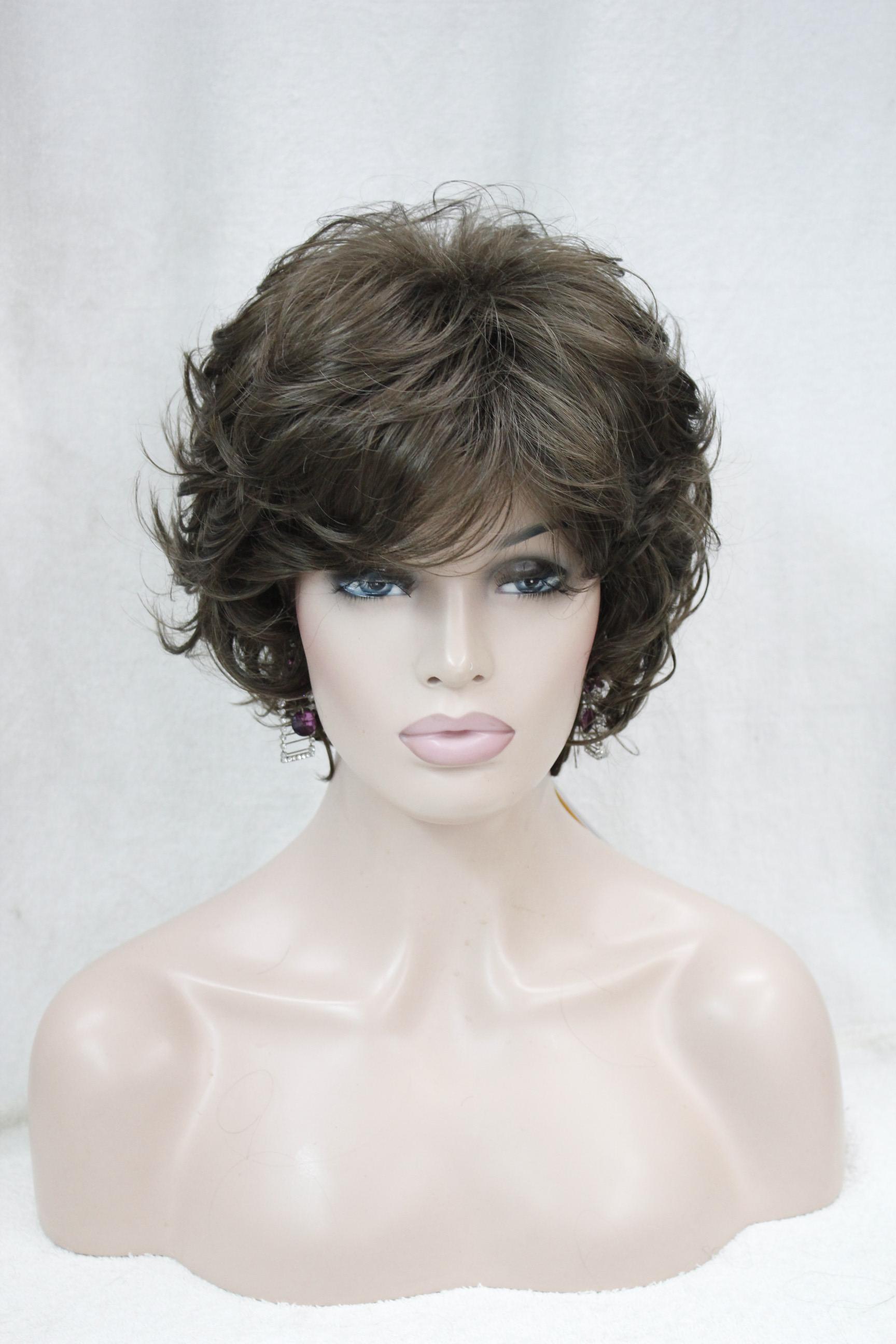 2017 Nouveau Mode Mode Santé Golden Brown Curly femmes S courte perruque ondulée jour pour chaque perruque Perruques