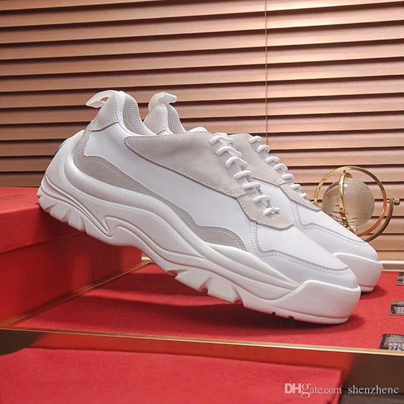 Scarpe da uomo leggere Casual Camminate all'aperto Taglie forti Moda Sneakers basse Scarpe sportive Sneaker in pelle di vitello gumboy Scarpe di lusso con scatola di origine