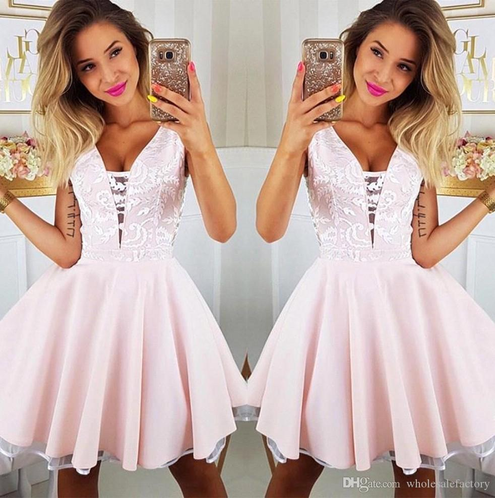 Pink V Neck Short Homecoming Dresses 2020 Appliqued Mini Knee Length Graduation Cocktail Gowns Sweet 16 Party Prom Dress BC2431