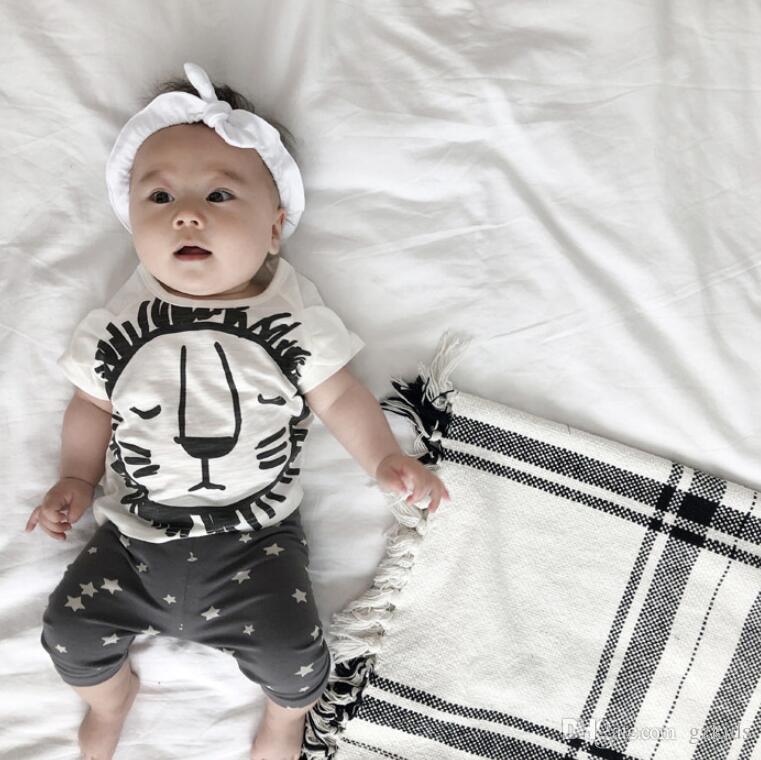 Лето детская одежда устанавливает мальчик футболка + брюки костюм комплект одежды ткань новорожденных спортивные костюмы мальчик одежда дети девушки одежда