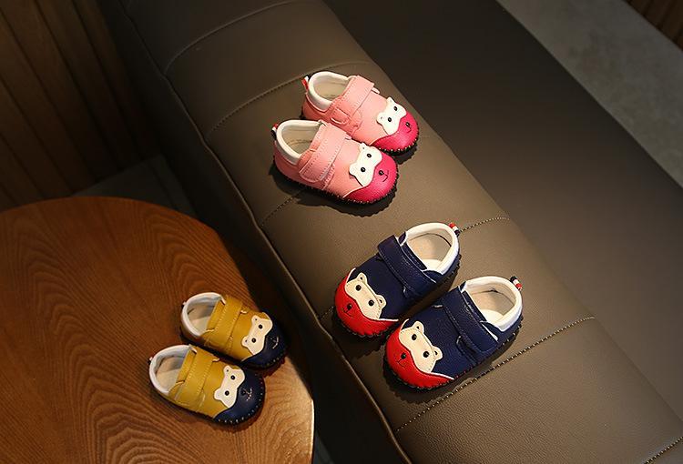0-1 años de otoño del resorte del muchacho del bebé del niño de los zapatos de cuero suave infantil inferior cómodo color de costura niños zapatilla de deporte
