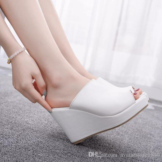 Schwarz Weiß Peep Toe-Plattform zwängt Sandelholz-Keil-Absatz-Hausschuhe Strand Sandalen für Damen-Schuhe