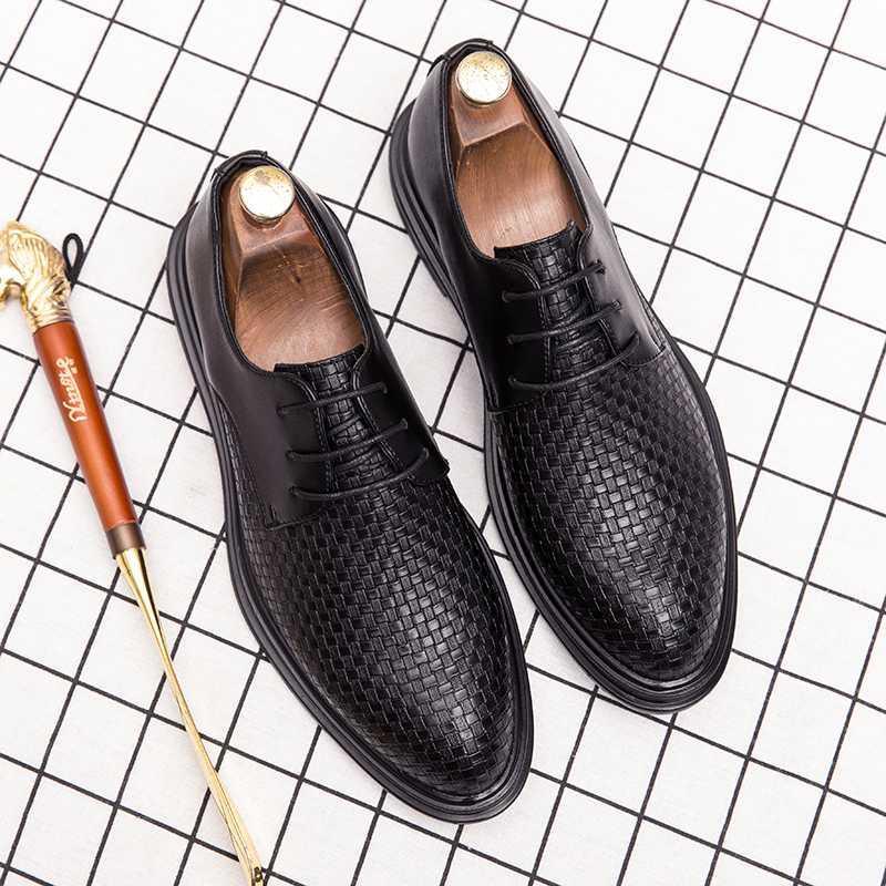 2020 primavera scarpe stringate da uomo d'affari nuovo scarpe da uomo di vendita caldo plaid di modo pelle naturale outdoor sociale