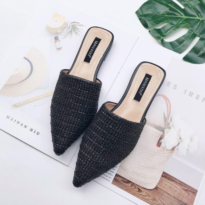 Mulheres novas de verão Sólido coberto-Toe chinelo Moda Apontado tecido respirável preguiçoso chinelos plana Sandals Mulheres Mule Slides Shoes