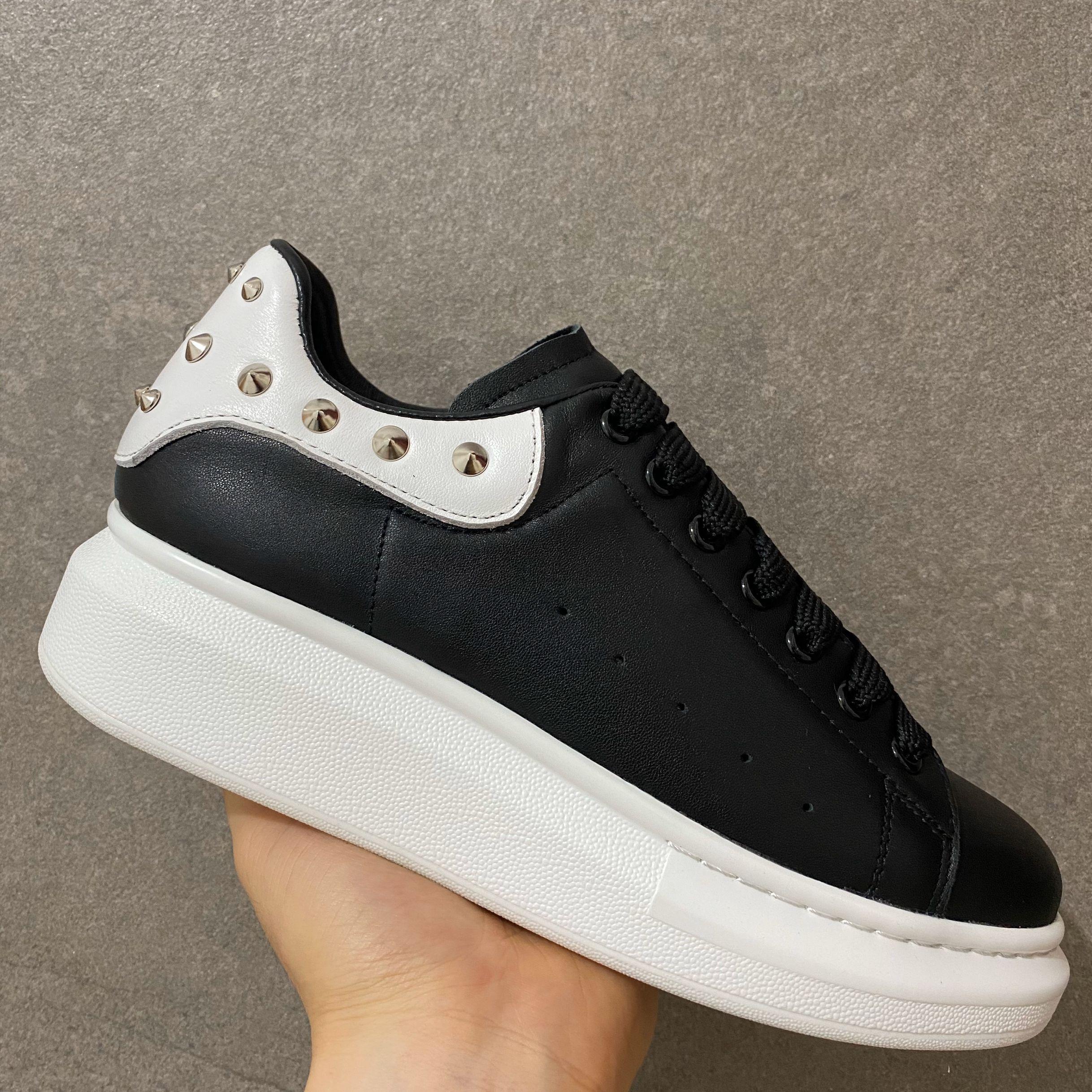 منصة الرجال النساء Loveres أحذية عارضة الترفيهية الحذاء أحذية الرياضة الموضة النساء أحذية جلدية Louisfalt المسامير عارضة أعلى جودة