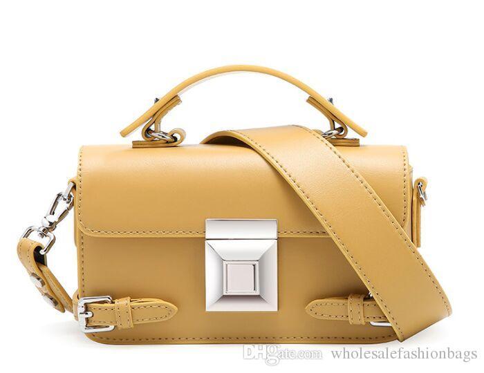 Yepyeni yüksek kaliteli kadın hakiki deri gerçek dana lüks kilit Flap çanta omuz çantası küçük torbaları çantası çanta S18