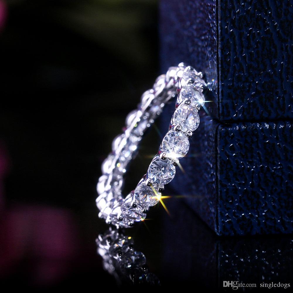 Anello delle donne della fascia di lusso Eternity sposa Principessa Cut Cubic Zircon di moda femminile regalo di anniversario il cerchio della CZ quadrata Anelli